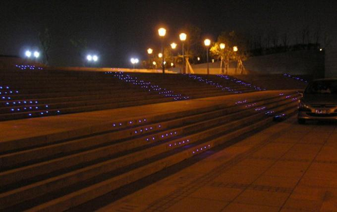Commercial Outdoor Lighting With 7mm Thickness Tempered Glass Φ50mm RGB Three In One